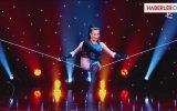 İp Üstündeki Kadının Akrobasi Dansı Büyüledi