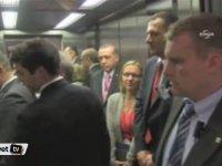 Asansörde Kalan Cumhurbaşkanı Erdoğan - Birisi İnsin ya!